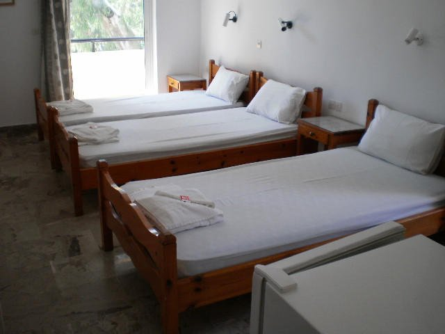hoteldrosia triple bedroom